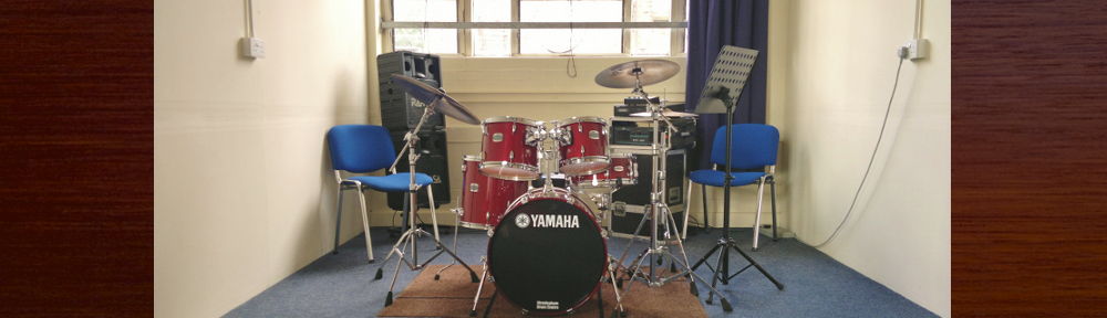 Learn drums on quality acoustic drum kits