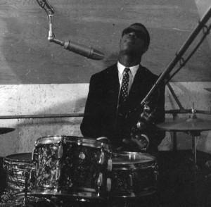 stevie-wonder-drumming-300x294