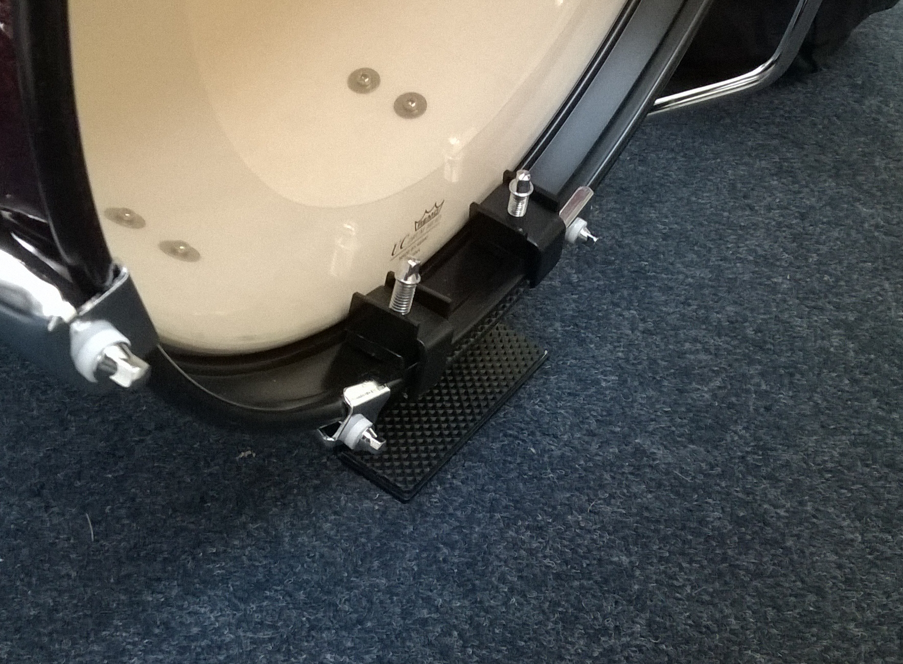 The riser helps place the small diameter bass drum more in-line with the pedal's natural striking spot